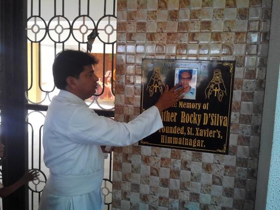 Fr.-Rocky-plaque_05