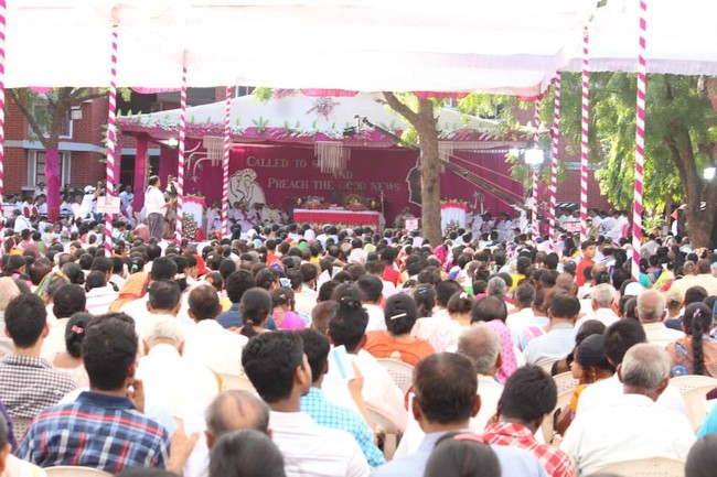 18.The faithful during the elavation ceremony of Abp Thomas