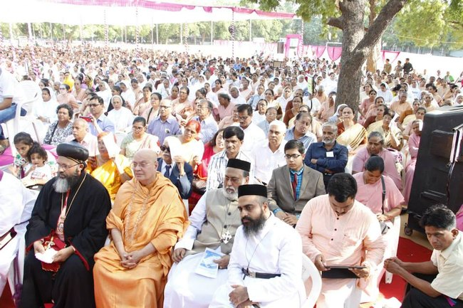 19.Religious Leaders and faithful during the ceremony