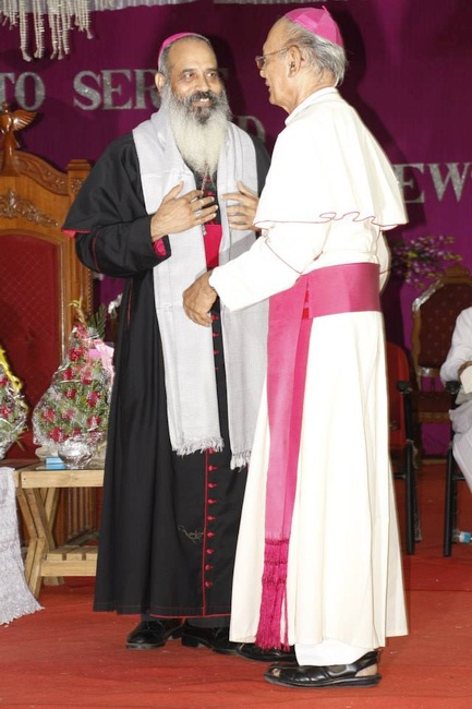 29.Abp Emritus Stanny and New Abp Thomas